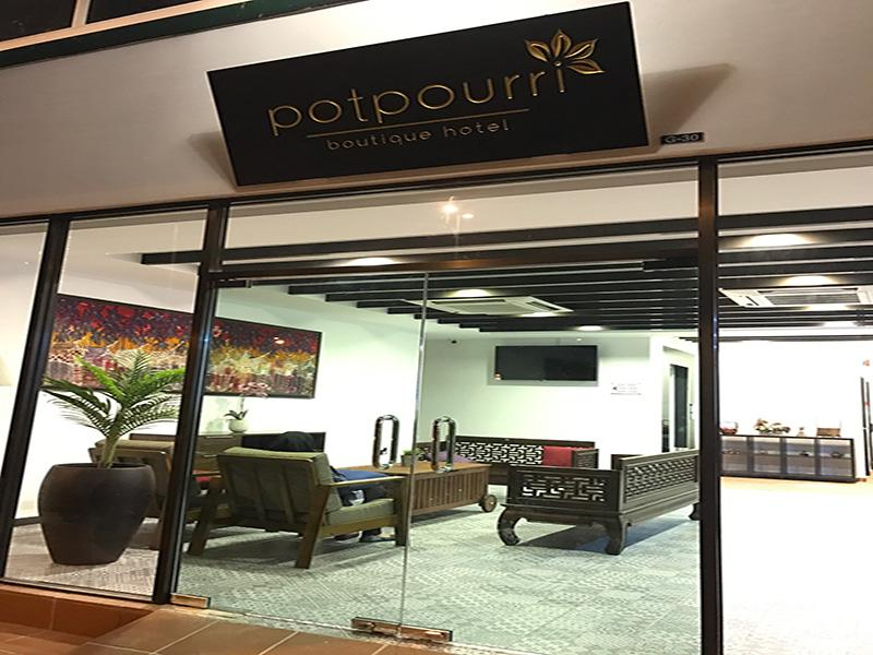 Potpourri Boutique main entrance